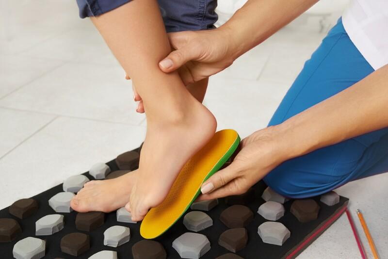 Einlegesohle gegen Schmerzen im Rücken