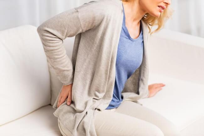 Rückenschmerz hilfreich lindern - CBD Öl
