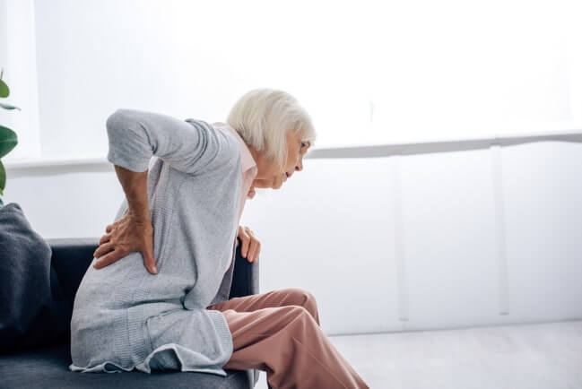 Was lindert den Schmerz bei Rückenschmerzen - CBD