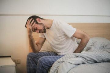 Starke Rückenschmerzen – wie sie entstehen und welche Maßnahmen helfen